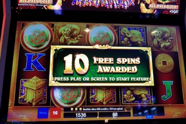 Tragamonedas gratis Tres Amigos promociones para casinos 560516